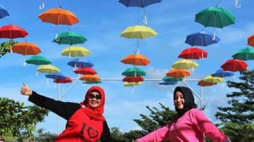 Kunjungan Tim Penggerak PKK dan Ibu Dharma Wanita Kabupaten Seluma Ke Taman Cyber Mini Kominfo